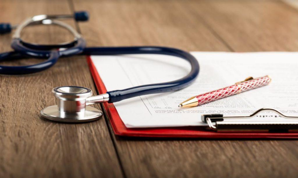 bảo hiểm y tế và bảo hiểm sức khỏe
